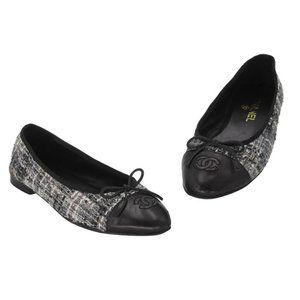 Chanel Gray Tweed and Leather Cc Cap Flats